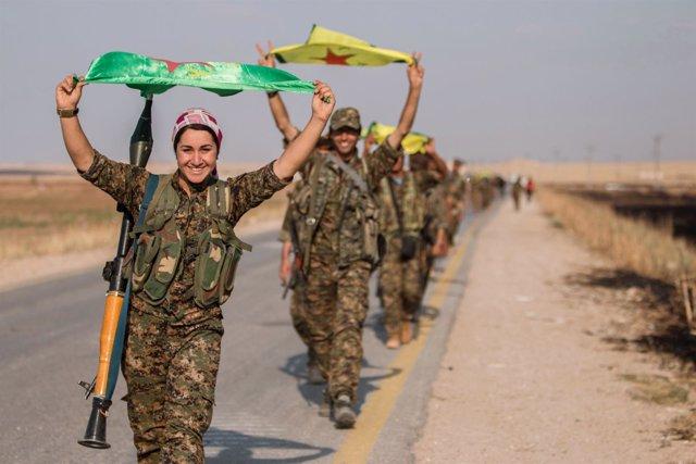 Milicianos de las YPG kurdo-sirias