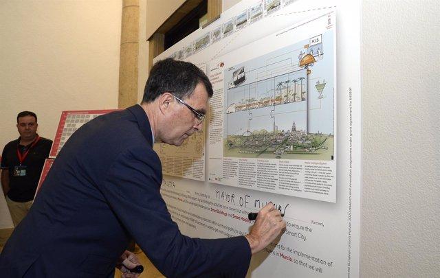 Ballesta firma el 'Roadmaps for energy'