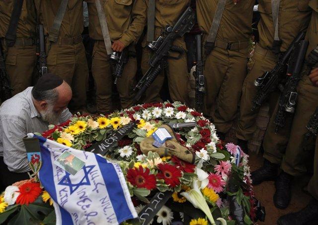 Funeral por soldado israelí Hadar Goldin