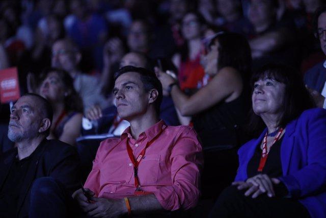 Pedro Sánchez y Cristina Narbona en el Congreso de CCOO