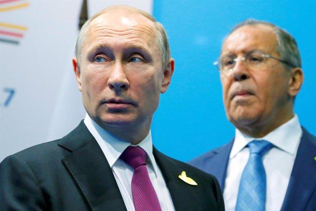 El presidente ruso, Vladimir Putin, y su ministro de Exteriores, Sergei Lavrov