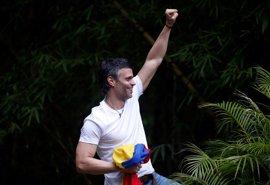 HRW señala a las protestas y la presión internacional como causantes de la excarcelación de Leopoldo López