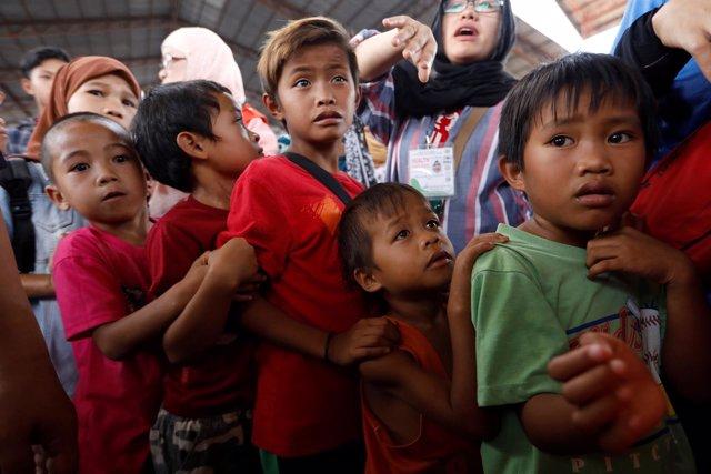 Niños evacuados en Marawi