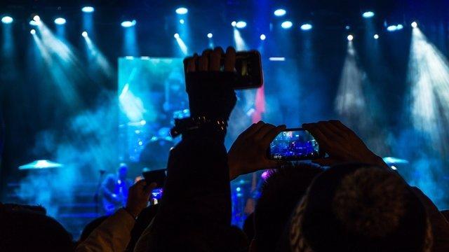 Smartphone móvil festival música apps aplicaciones