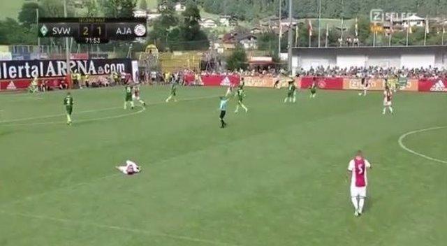 El Futbolista Holandés De 20 Años Abdelhak Nouri Se Desploma En Un Amistoso