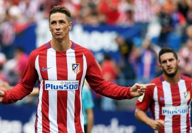 Fernando Torres celebra un gol con el Atlético de Madrid