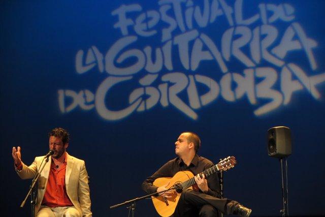 Concurso de talento flamenco de guitarra de acompañamiento