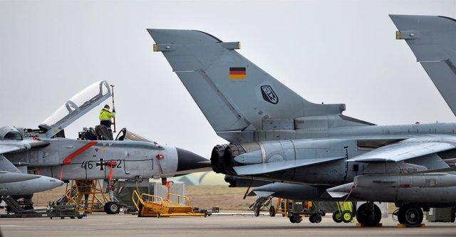 Aviones alemanes en la base turca de Incirlik