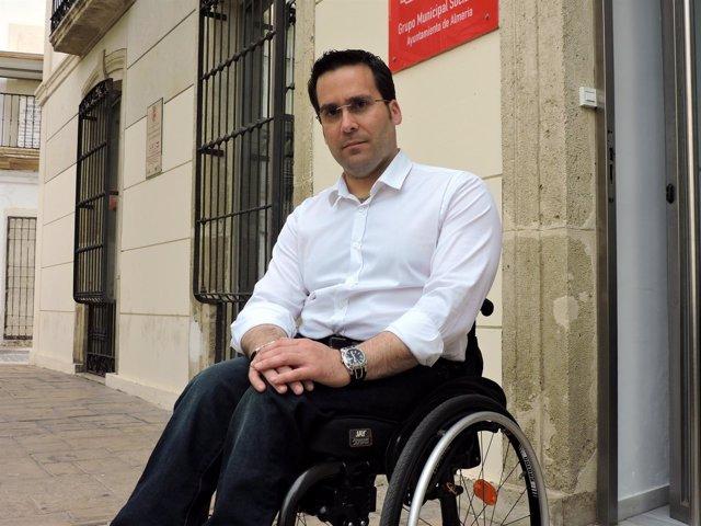 El concejal del PSOE en el Ayuntamiento de Almería Pedro Díaz