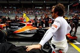 """Alonso, sobre el incidente con Kvyat: """"No se puede jugar a los bolos"""""""