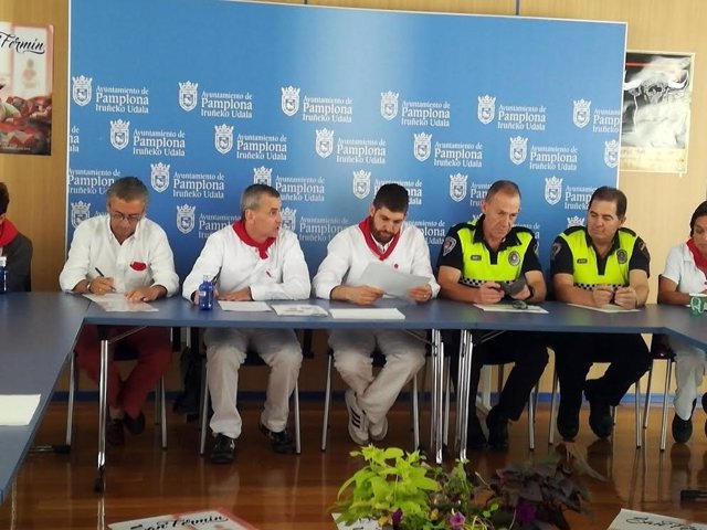 Reunión de la Junta celebrada este domingo.