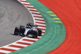 Bottas reina en Red Bull Ring y Alonso y Sainz abandonan