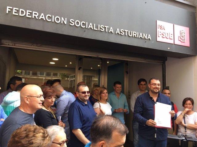 Adrián Barbón formaliza su precandidatura en la FSA-PSOE
