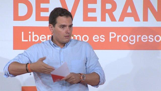 """Rivera saca pecho por las """"buenas noticias"""" del IRPF"""