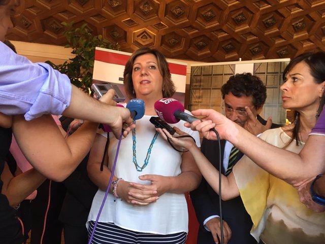 Franco atiende a los medios