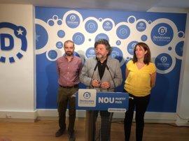 Demòcrates pide que ERC y PDeCAT apoyen a Colau en Barcelona a cambio de respaldar el 1-O