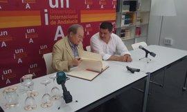 El astrofísico Juan Pérez Mercader destaca el pujante interés por la investigación espacial