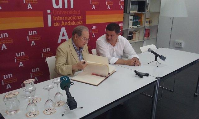 El astrofísico Juan Pérez Mercader en los cursos de verano de la UNIA