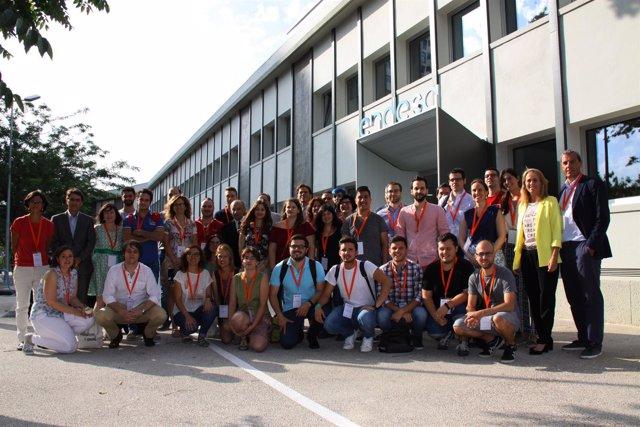 Los jóvenes emprendedores en la sede de Endesa en Zaragoza