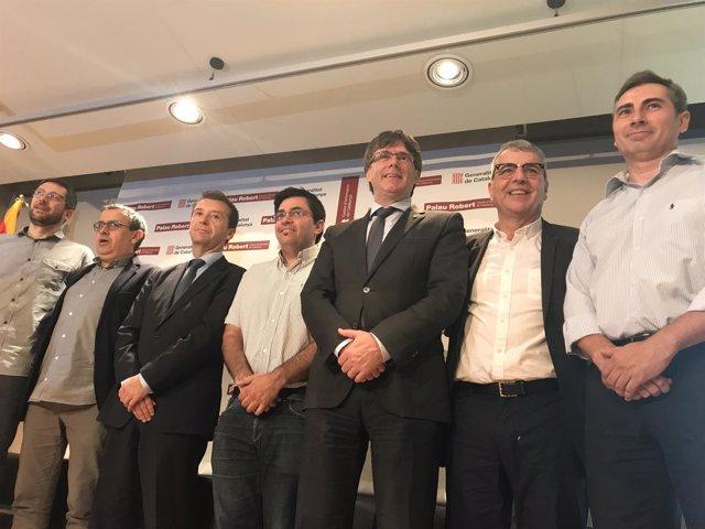 A.B.Bolado, J.Segarra, G.Pisarello, C.Puigdemont, P.Alonso y O.Illa