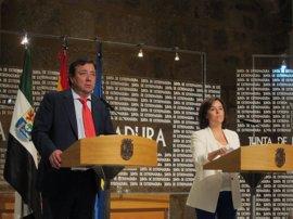 """Sáenz de Santamaría dice que el referéndum en Cataluña """"no se va a celebrar"""" y pide que Puigdemont """"haga una reflexión"""""""