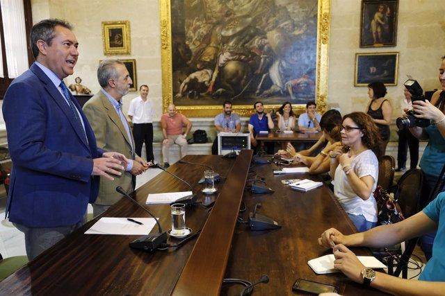 El alcalde Informa sobre nuevos programas de empleo