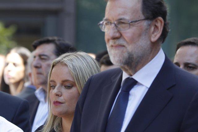 Rajoy y Mari Mar Blanco en un homenaje a Miguel Ángel Blanco en la sede del PP