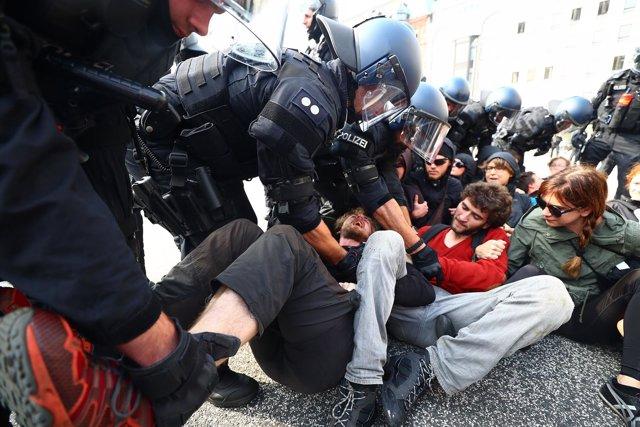 Enfrentamientos de la Policia alemana con los manifestantes del G-20