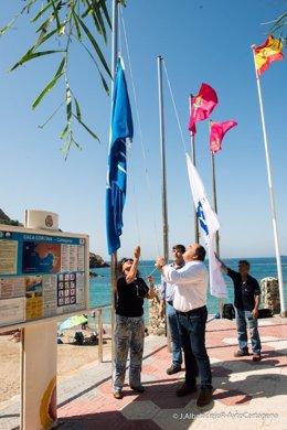 Izado de bandera banderas 'Q de Calidad'