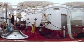 """La actriz Evanna Lynch presenta un vídeo de realidad virtual para denunciar """"maltrato"""" en la industria láctea"""