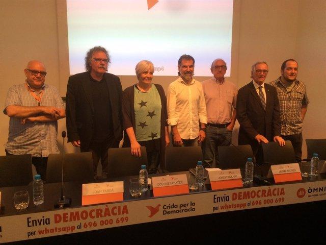 J. Cuixart, D. Sabater, J. Tardà, X. Trias, D. Fernàndez, J. Roures y M. Delgado