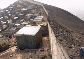 Perú llama a consulta a su embajador en Ecuador por la construcción de un muro fronterizo