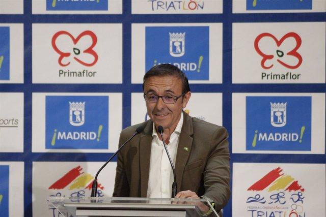 José Hidalgo en la presentación del Triatlón de Madrid