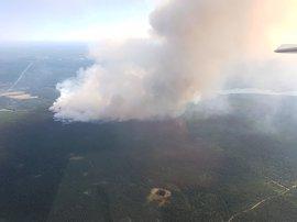 Los más de 220 incendios activos de Canadá obligan a evacuar a más de 14.000 personas