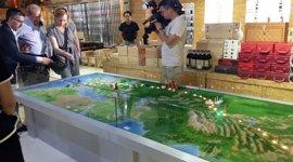 """La consejera de Economía visita el mercado chino de Yiwu, con """"posibilidades enormes"""" para productos aragoneses"""