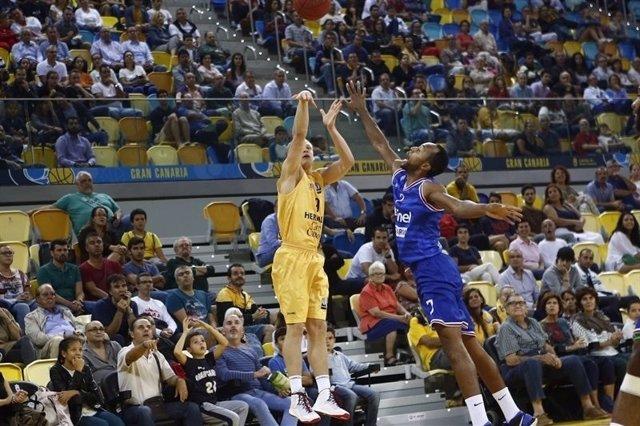 Herbalife Gran Canaria vs. Enel Basket Brindisi, Sasu Salin