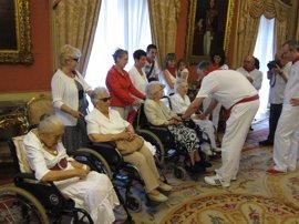 Homenaje a cuatro centenarias en el Día de las Personas Mayores en Sanfermines