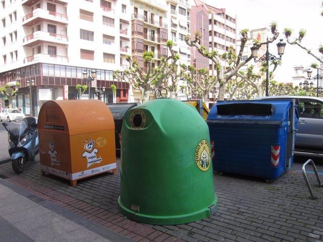 Contenedores en la calle Miguel Villanueva