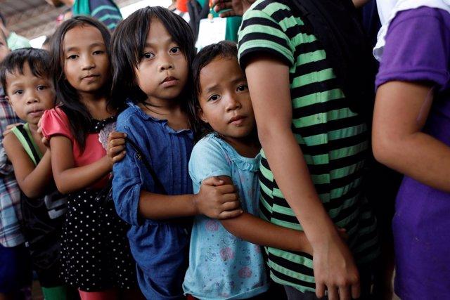Niños evacuados de Marawi
