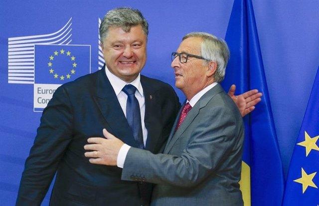 Petro Poroshenko, el presidente de Ucrania  y Jean-Claude Juncker