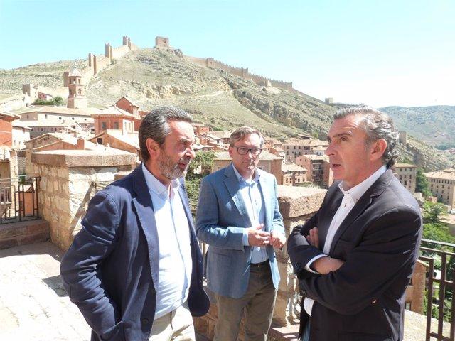 Luis María Beamonte visita la localidad turolense de Albarracín