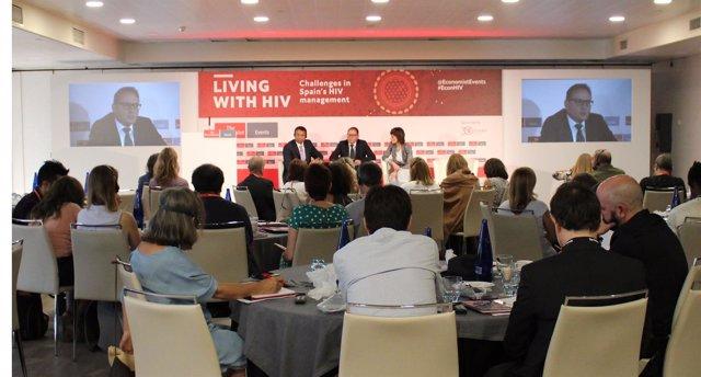 Vivir y envejecer con el VIH: desadíos en la gestión del VIH en España