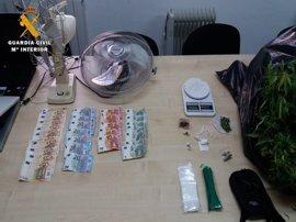 Desmantelado un punto de venta de drogas en Caspe y detenidas siete personas