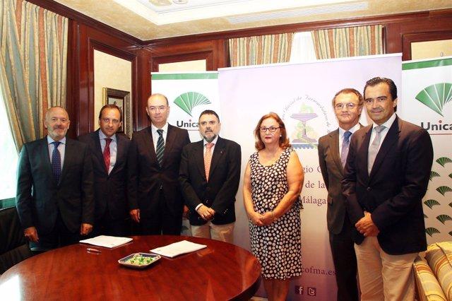 Unicaja Banco Refuerza Su Apoyo Los Farmacéuticos De Málaga Con Un Acuerdo Que B