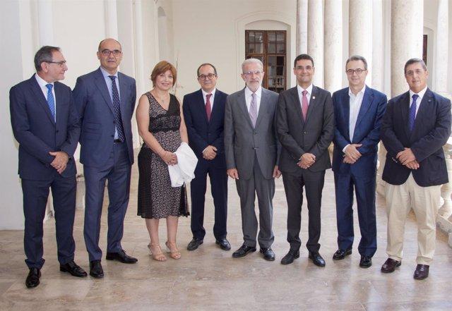 Firma del convenio entre universidades públicas y CVMC