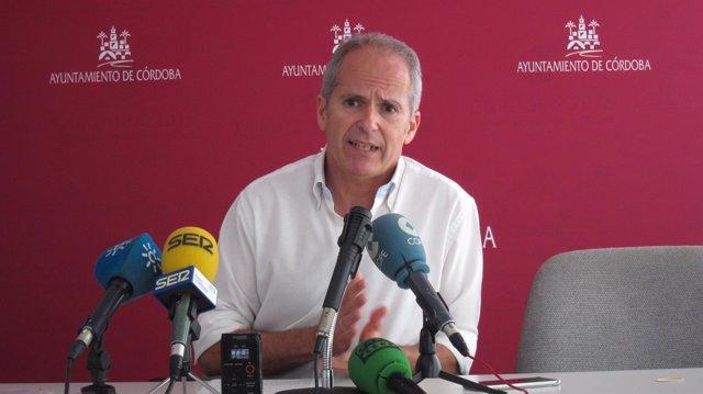 El portavoz de Ganemos Córdoba, Rafael Blázquez