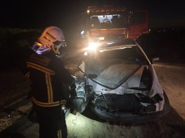 Dos heridos al colisionar un turismo con un autobús interurbano a la entrada de Navalcarnero