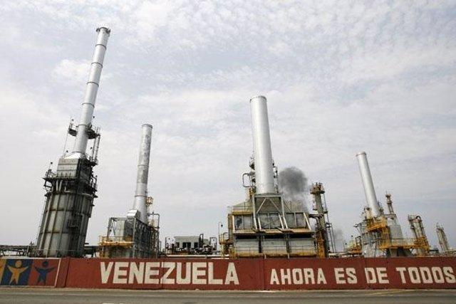 Refinería de PDVSA en Venezuela