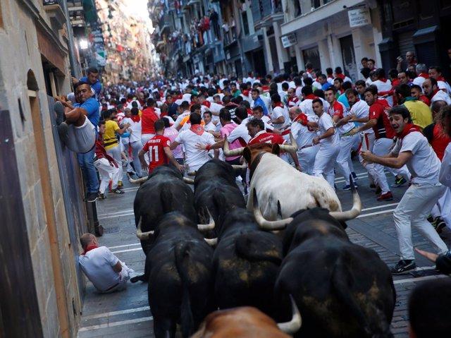 Sexto encierro de San Fermín en Pamplona