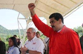 """Maduro rechaza las amenazas de bloqueo de EEUU: """"La Constituyente va"""""""